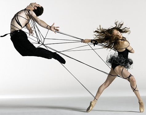 gúzsba kötve táncolni